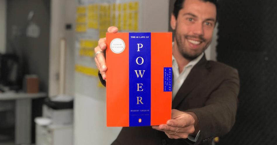 Livro As 48 Leis do Poder - Robert Greene