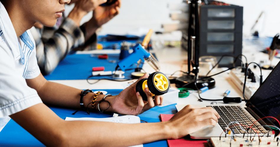 Engenharia da Computação: o que é, o que faz e quanto ganha?